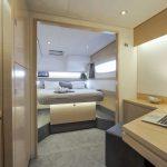 Saba 50 - Main cabin with desk