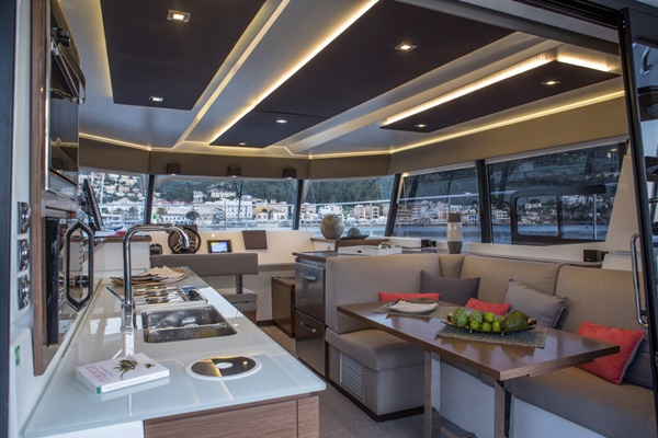 Fountaine Pajot MY 37 – 11