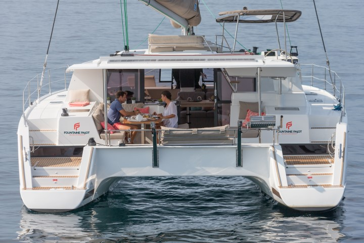 12/09/2016, Cannes (FRA,06), Chantier Fountaine-Pajot, Helia 44
