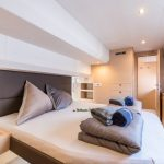 Motor Yacht 44 - Power Catamaran Master cabin