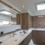 Astrea 42 - Master bathroom